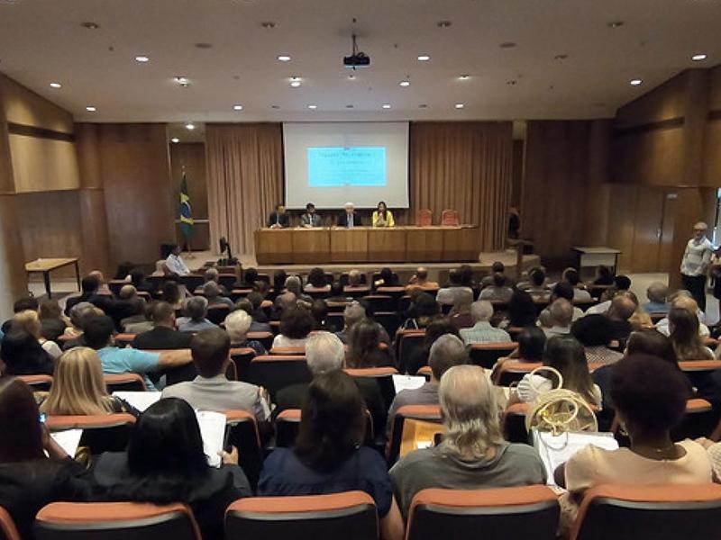 Planos econômicos: dedicação de juízes e servidores do TRF2